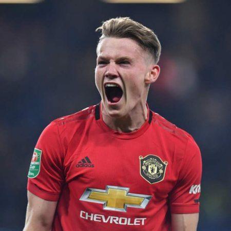 Manchester United sigue a la caza de los puestos de Champions